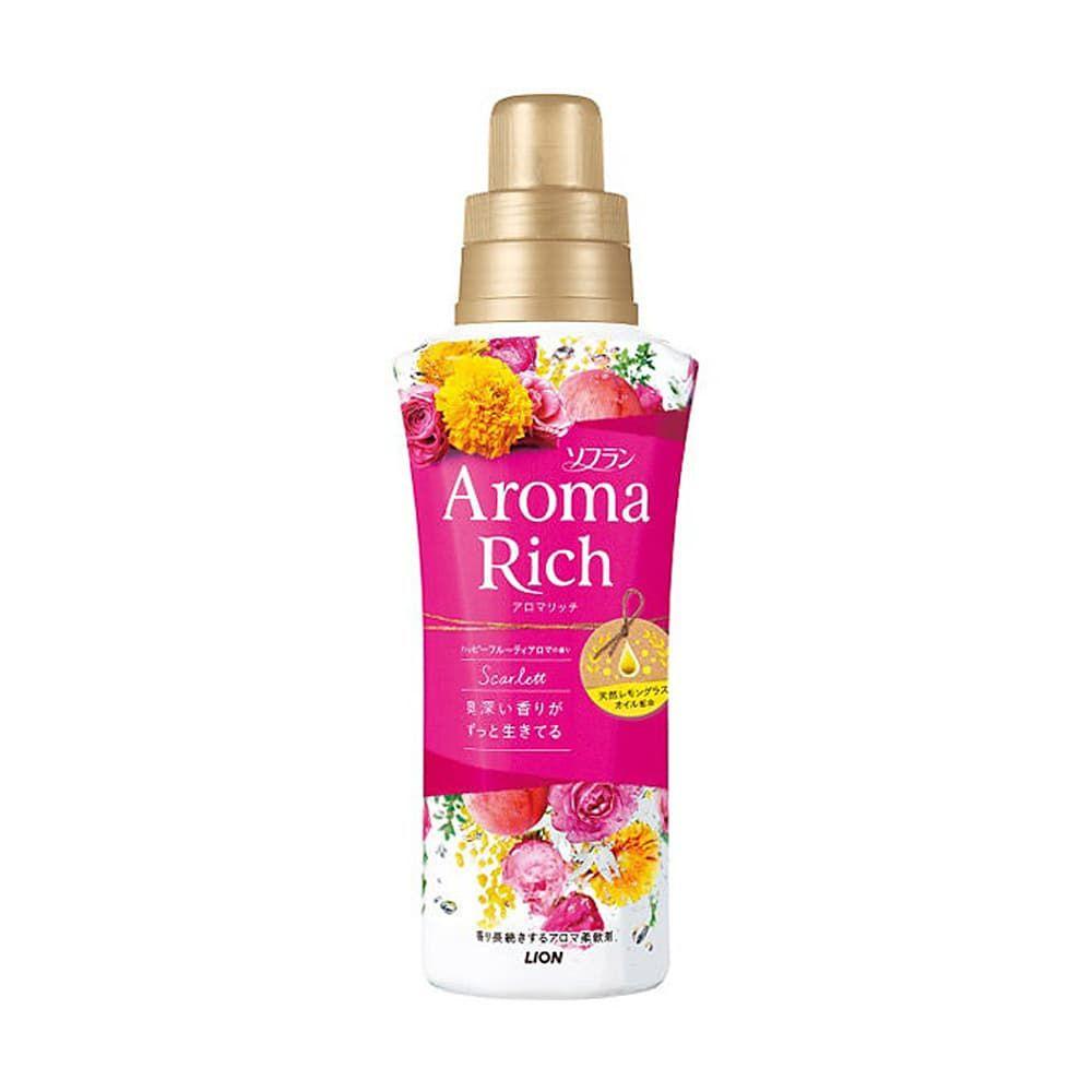Кондиционер для белья Lion Aroma Rich Scarlett обладает инновационной формулой с натуральным маслом лемонграсса и роскошной парфюмерной композицией